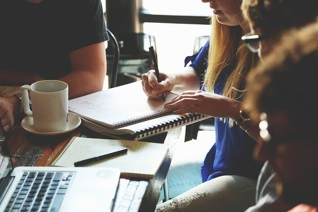 How To Simplify Your Business Operations To Make It More Productive and Efficient | Business Tips | Elle Blonde Luxury Lifestyle Destination Blog
