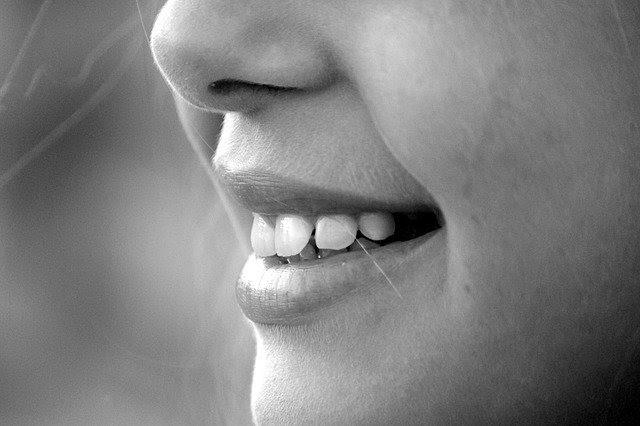 6 Ways To Quickly Get Rid Of Stains On Teeth | Health | Elle Blonde Luxury Lifestyle Destination Blog