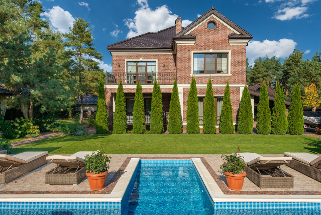 5 Ideas To Turn Your Garden Into an Exclusive Playground | Home Interiors | Elle Blonde Luxury Lifestyle Destination Blog