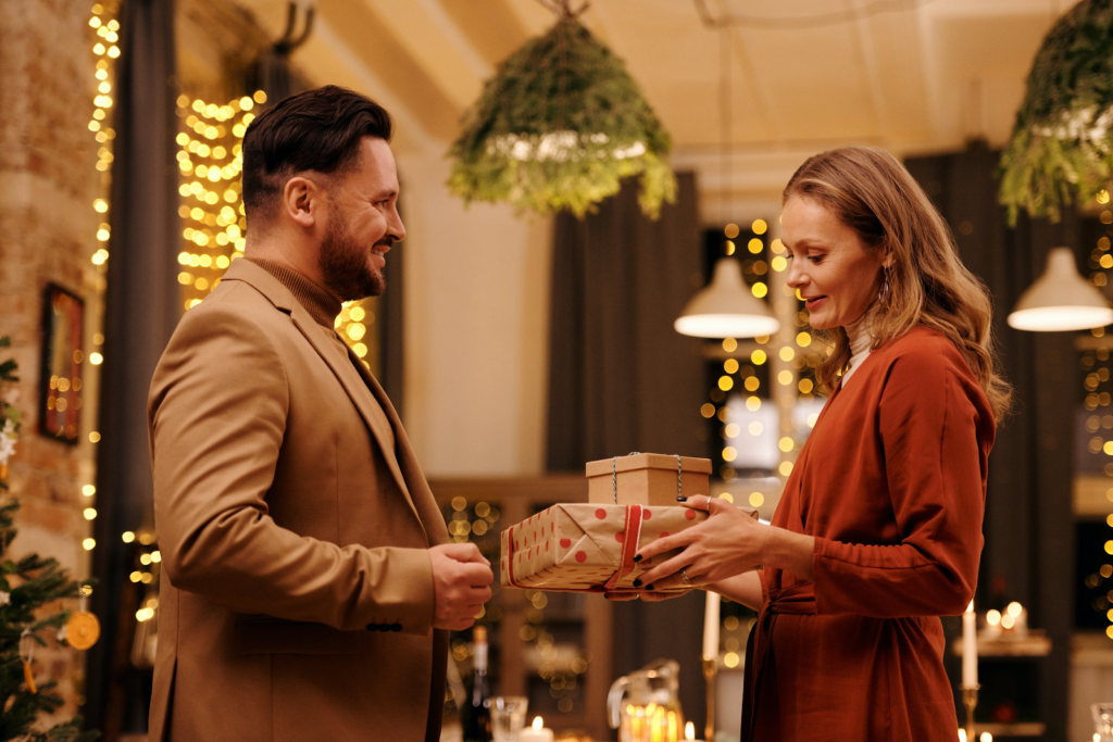 Having A Hard Time Finding A Present For Your Man? Here Are Some Awesome Ideas To Help You Out | Gift Guide | Elle Blonde Luxury Lifestyle Destination Blog