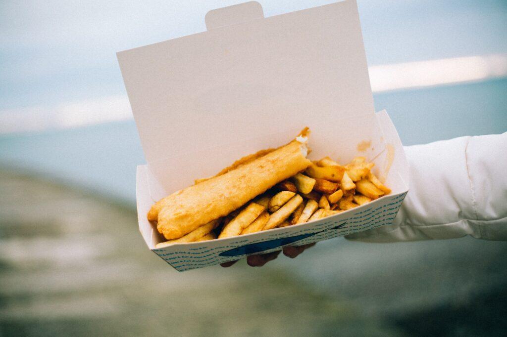 Fish & Chips - Best British Dishes | Food & Drink | Elle Blonde Luxury Lifestyle Destination Blog