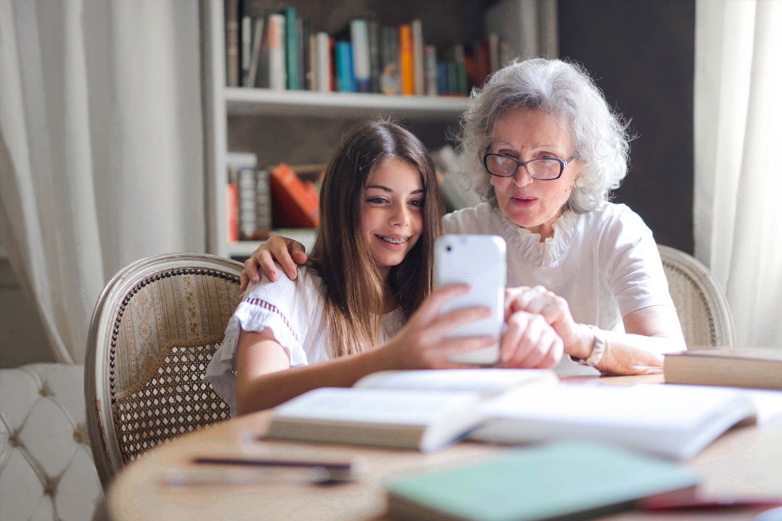 6 Simple Tips That Will Help Convince Your Parents to Live in a Senior Care Home | Health | Elle Blonde Luxury Lifestyle Destination Blog