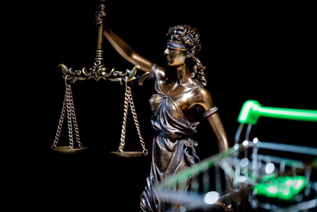 6 Surefire Ways You Can Legally Protect Your Online Business | Finance | Elle Blonde Luxury Lifestyle Destination Blog