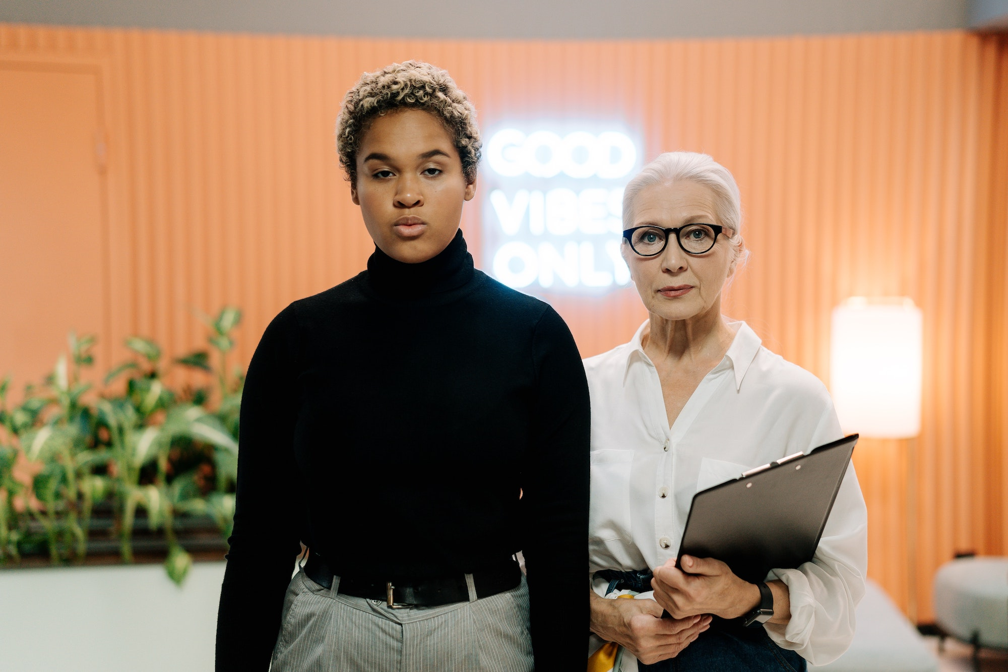 The Perfect Resume: How to Impress an Employer With Just a Few Lines   Business Tips   Elle Blonde Luxury Lifestyle Destination Blog