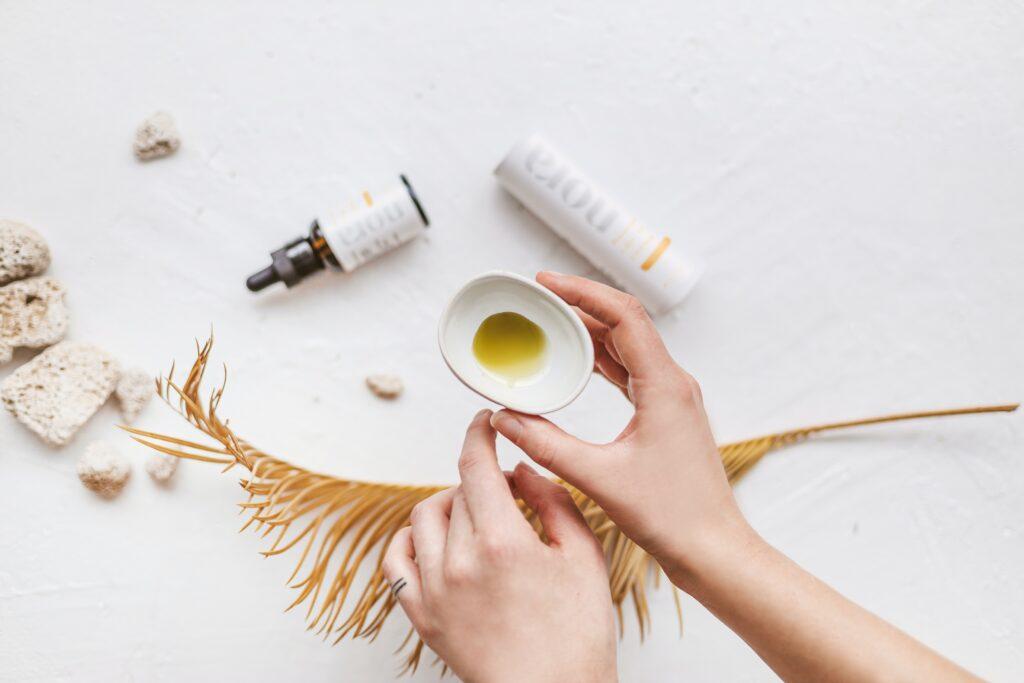 How Do Full Spectrum CBD Products Benefit You? | Beauty | Elle Blonde Luxury Lifestyle Destination Blog
