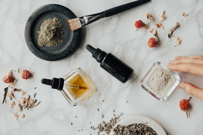 Improve Your Life and Home: Start Practicing Aromatherapy | Beauty | Elle Blonde Luxury Lifestyle Destination Blog