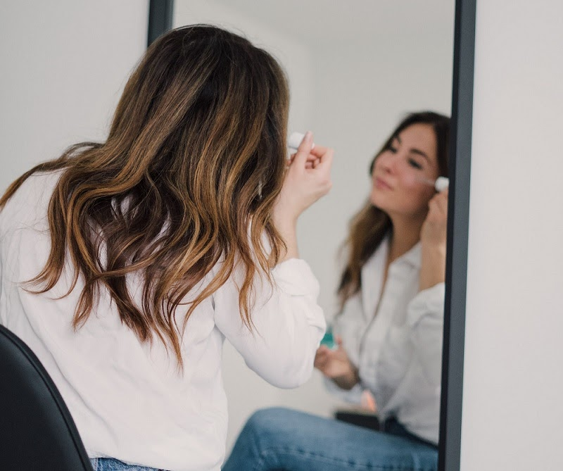 Dark Circles | Improve Your Life and Home: Start Practicing Aromatherapy | Beauty | Elle Blonde Luxury Lifestyle Destination Blog