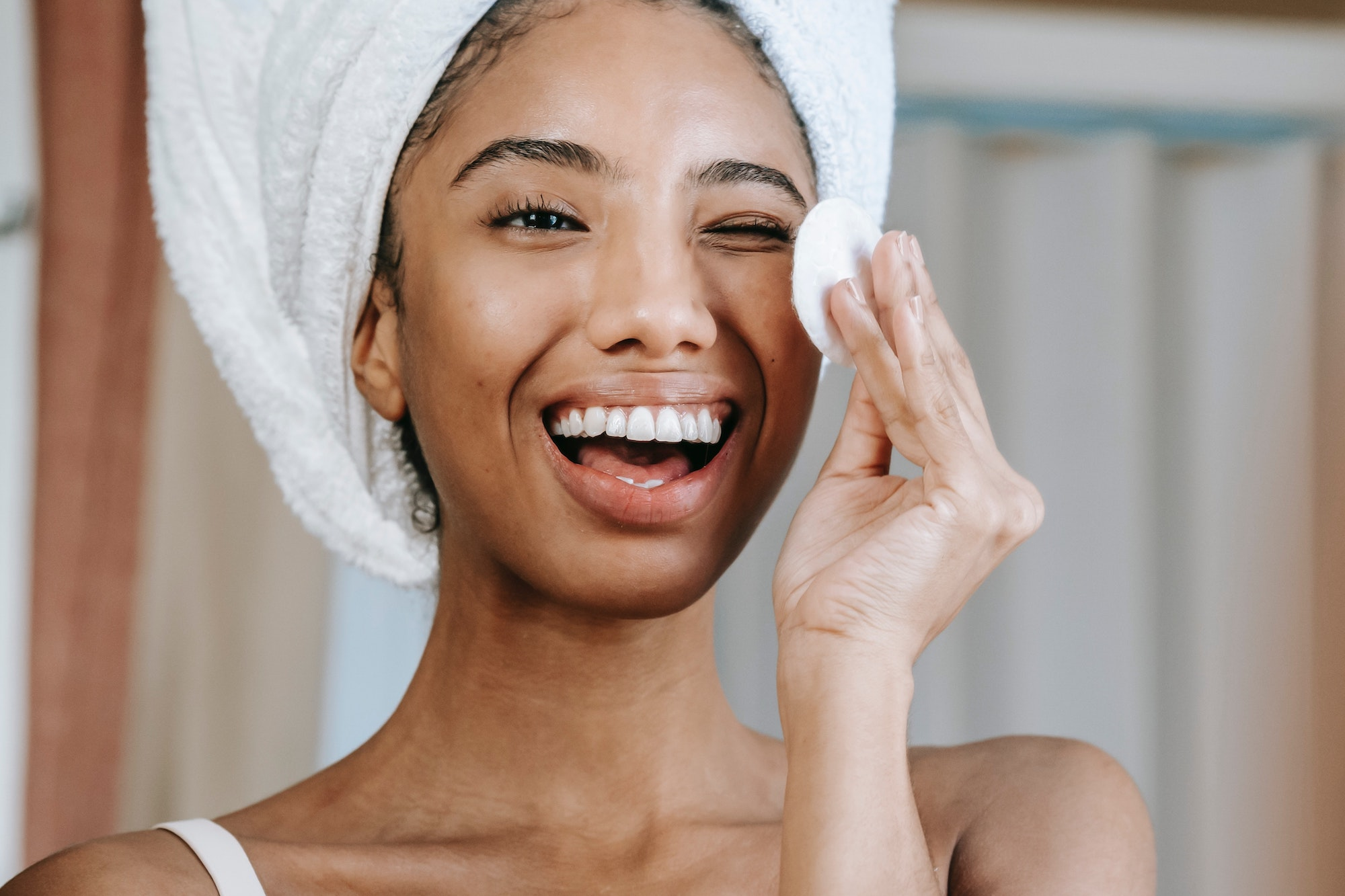 5 Cruelty-Free and Sustainable Ways to Remove Your Makeup | Beauty | Elle Blonde Luxury Lifestyle Destination Blog