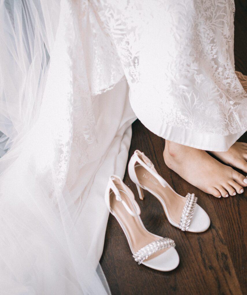 Wedding shoes | 8 Beautiful Ways to Use Satin Ribbons in Weddings | Wedding Tips | Elle Blonde Luxury Lifestyle Destination Blog